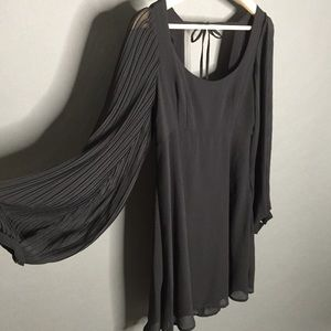 Urban Outfitters 4 Romanic Flow Sleeve Aline Dress